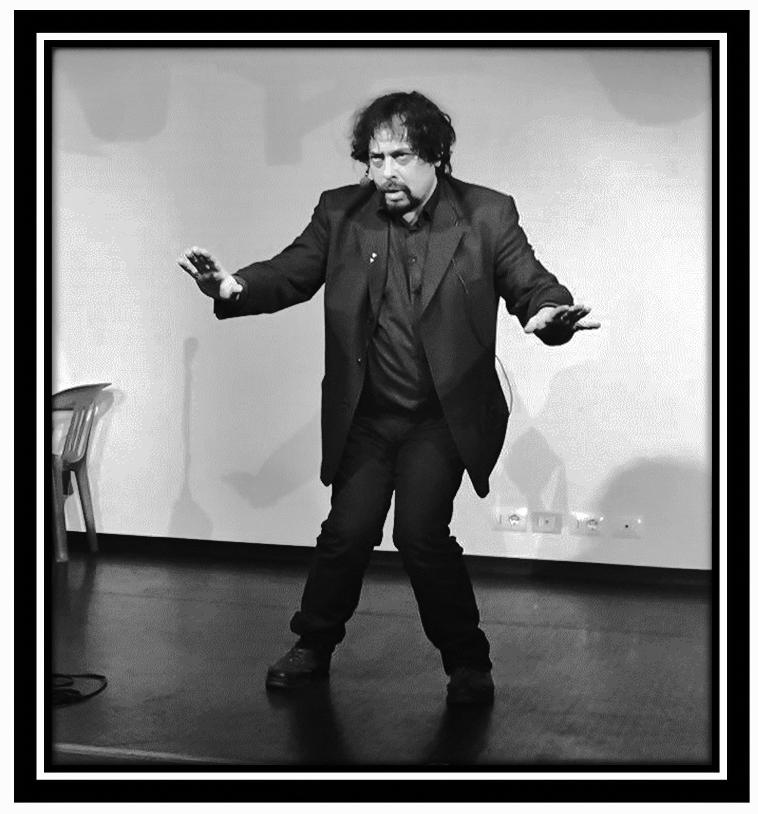 Un Mondo Senza Danza - Un libro di Riccardo Paccosi - Crowdbooks Publishing